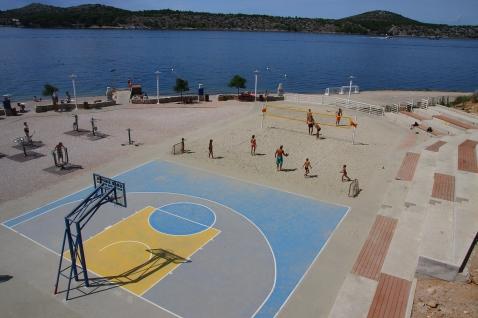 Sibenik - 2   Basket on the beach