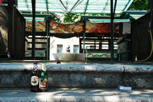 Un paio di birre, qualche sigaretta, un incontro